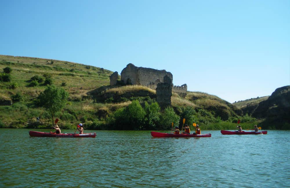 Piragüas en las hoces septentrionales del río Duratón