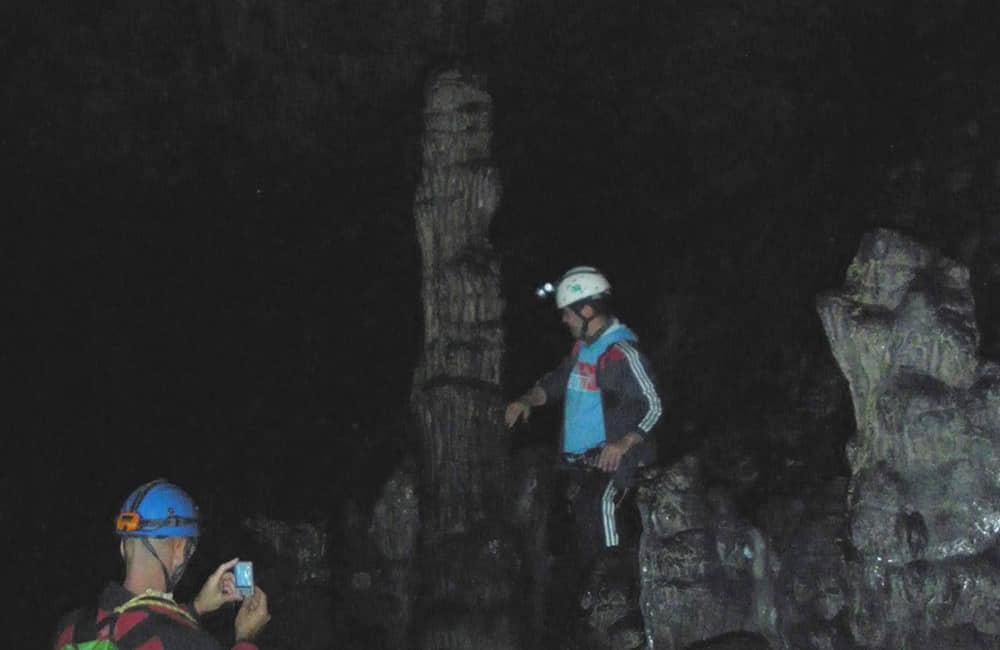 Espeleologia en la Cueva de los Griegos