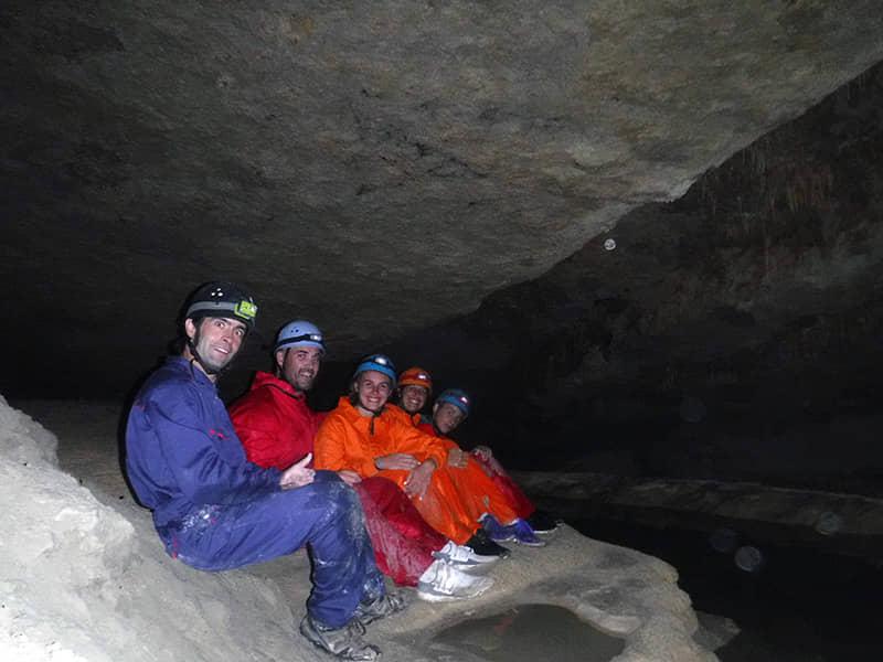 Espeleología en la cueva de Seso